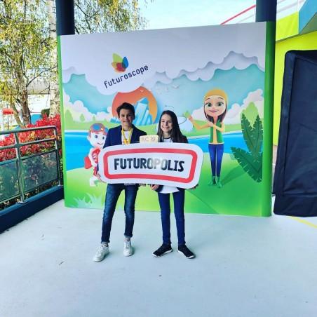 Futuropolis Fusturoscope Village enfant évènement animation panneau ville ouverture logo