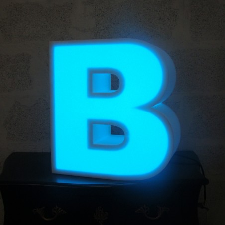 Lettres en polystyrène lumineuses led bleu clair