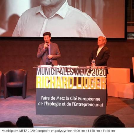 Table et comptoirs géants en polystyrène conférence évènement professionnel Municipales Metz 2020 élections politique