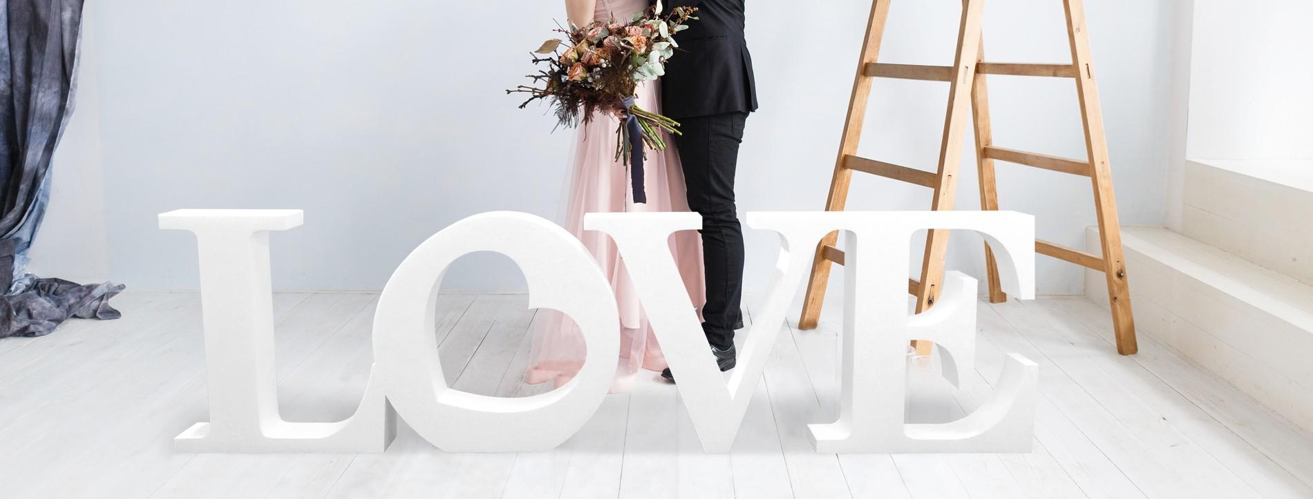 LOVE géant en polystyrène bloc avec coeur décoration évènementiels Mariage Saint-Valentin Fêtes amour Mots et lettres célébration