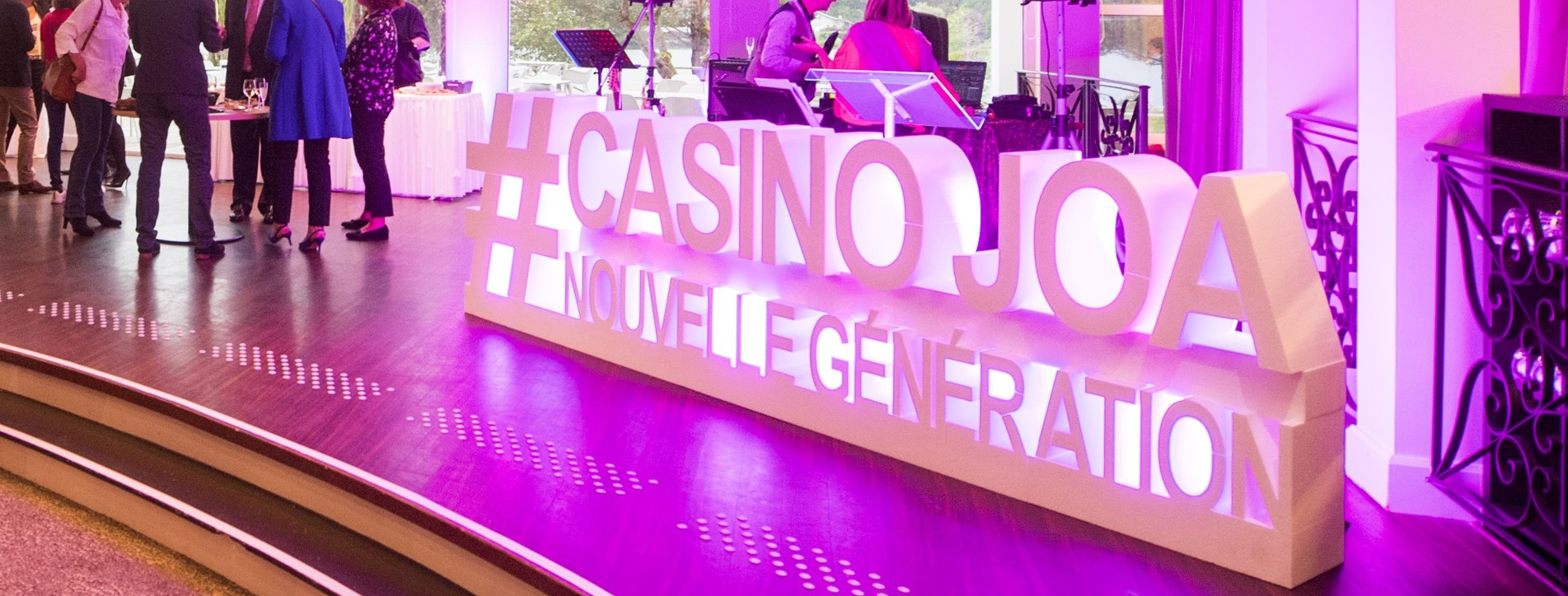 Logo évènementiel en polystyrène géants hashtag Casino Joa Nouvelle Génération Fête Ouverture Animation